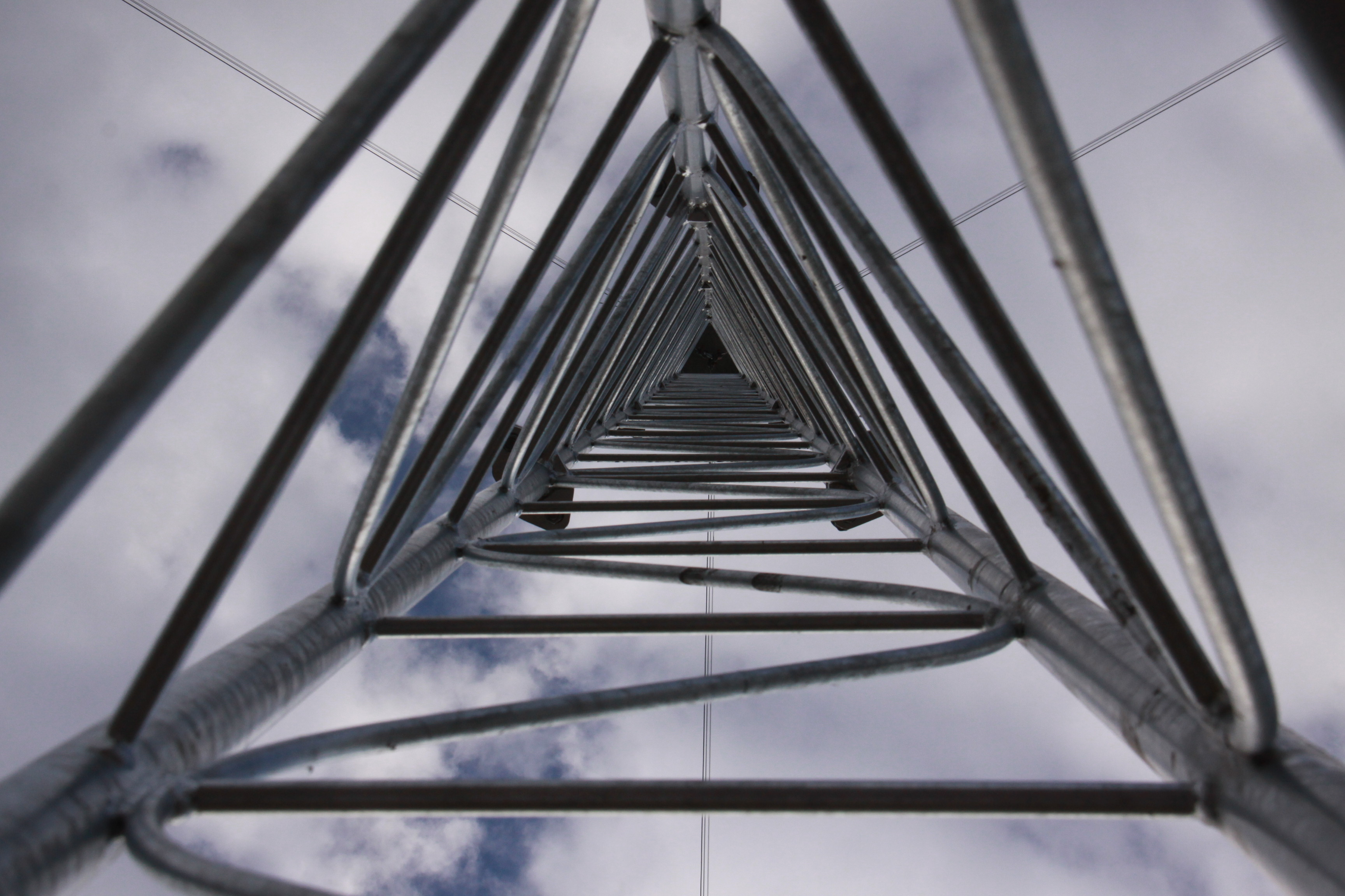Tilt-up steel lattice mast - Ge:Net GmbH | windfair